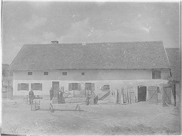 Foto da fazenda de Hinterkaifeck.