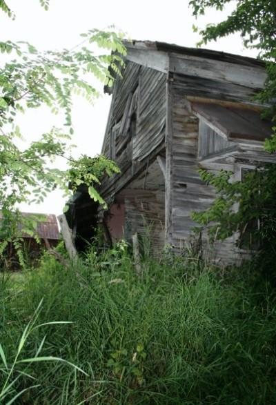 barbie-abandoned-house-1