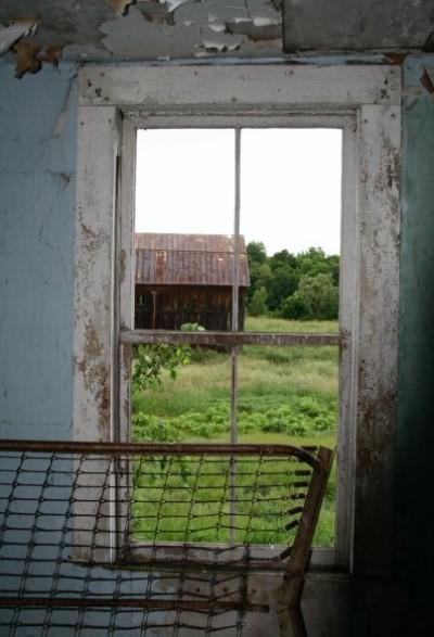 barbie-abandoned-house-2
